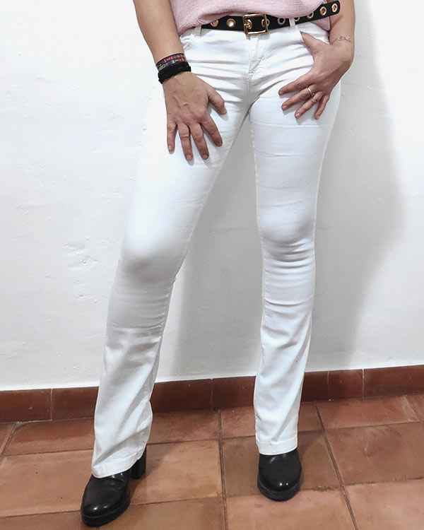 Vaquero-Flare-Blanco