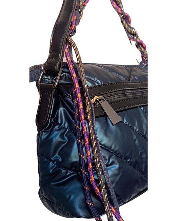 detalle-bolso-acolchado-satin-blue